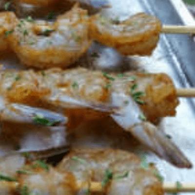 Barbecuing jumbo prawns